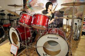 コージーが1970年代に使っていたメーカーのビンテージ品を集めたドラムセット