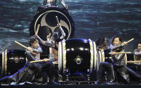 「ジャポニスム2018」の開会式で演奏する和太鼓集団「DRUM TAO」のメンバー=12日、パリ(共同)