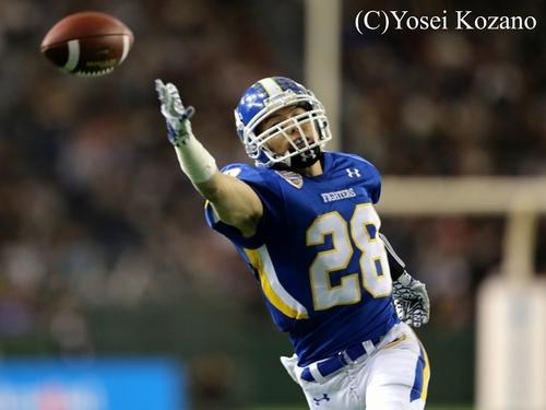 1Q8分、関学大がギャンブルからRB鷺野へのパスを狙うが失敗=撮影:Yosei Kozano、3日、東京ドーム