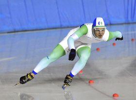 男子500メートル2本目で、屋外自己ベストの39秒53を出すなどし、初優勝したジョアオ・ビクトル=岐阜県クリスタルパーク恵那スケート場
