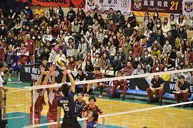 VC長野のホーム最終戦。観客席からは選手に大きな声援が送られた=16日、松本市総合体育館