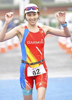 女子総合・道端カレンが初優勝 太平洋トライアスロンinいわき