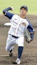 石川―福井 6回2失点と力投した福井先発の三染真利=石川県の七尾城山野球場