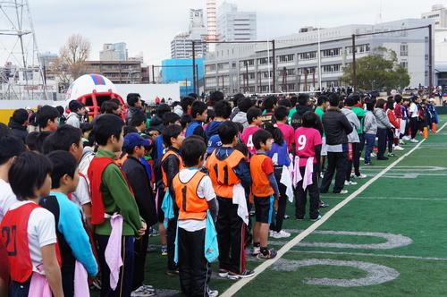 各地の予選を勝ち抜いた代表チームが集結した=写真提供:日本フラッグフットボール協会、23日、川崎球場
