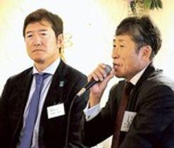 ラグビーW杯について語る吉野俊郎さん(右)と木暮明さん=18日午後、都内