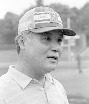 「オプション攻撃」で一時代築く 明大・野崎和夫元監督を偲ぶ