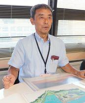 「九十九島の日の制定をきっかけに、景観以外の魅力を知ることができた」と語る蓮田さん=佐世保市役所