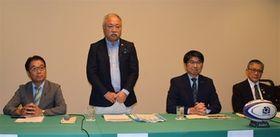 9月に開幕するワールドカップ日本大会に向け、長崎でも盛り上がりを期待する日本ラグビー協会の森重隆会長(左から2番目)