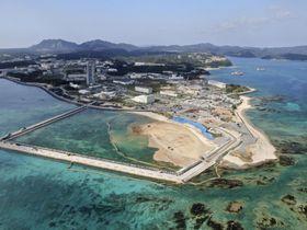 埋め立て工事が進められる沖縄県名護市の辺野古沿岸部=15日(小型無人機から)