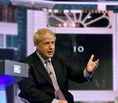 18日、英ロンドンで開かれたテレビ討論会に参加したジョンソン前外相(ロイター=共同)