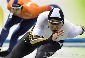 男子500メートル 34秒67の好タイムで2位入賞した新浜(高崎健大職)=長野・エムウエーブ