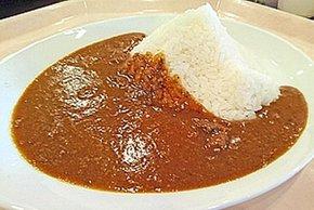 50万食を突破した「美味しさ保証付きカレー」。磐梯山の形をしたライスが特徴