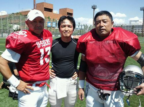 20年ぶりにコンビが復活したU59ersのQB松岡(左)と尾寺(右)