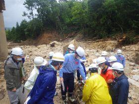 国交省の専門家らが調査した土砂災害現場(高島市拝戸)=滋賀県提供