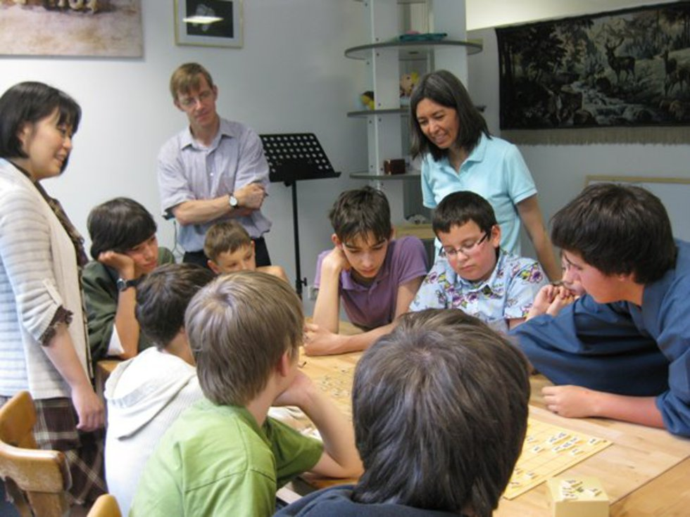 カールスルーエ将棋クラブで将棋レッスン=2012年5月