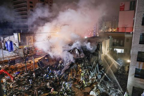 札幌で爆発、42人けが