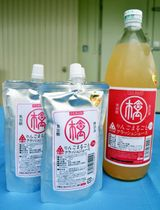 台湾に輸出するパウチ入り「りんごまるごとクラッシュジュース」