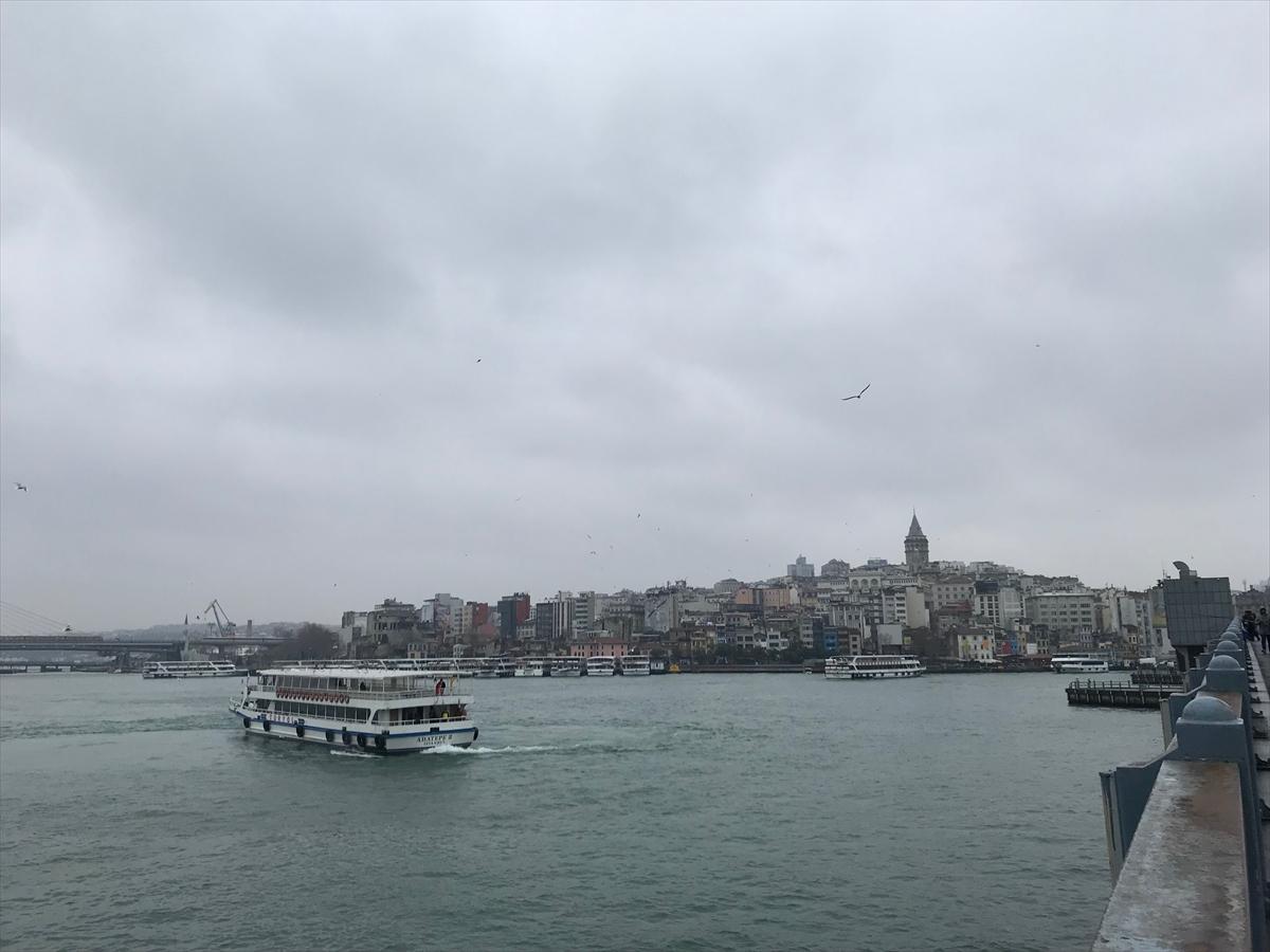 橋の上から見たイスタンブールの街並み
