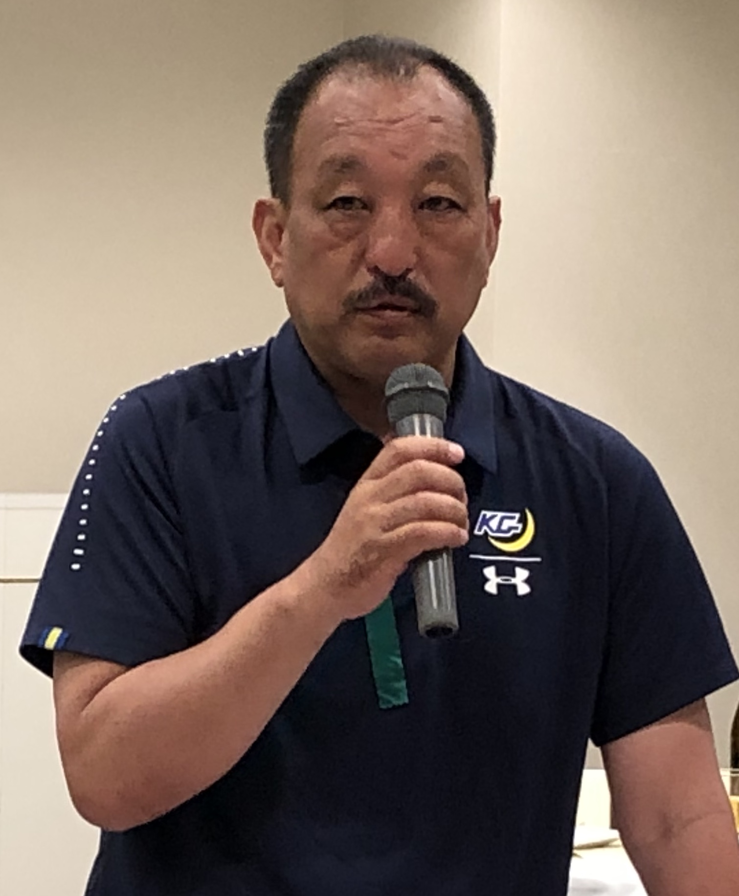 明大との定期戦の後の懇親会で、話をする関学大の鳥内秀晃監督=5月19日、味の素スタジアム