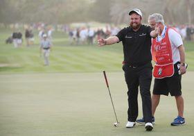 欧州ゴルフのアブダビHSBC選手権最終日、優勝を決め、喜ぶシェーン・ローリー=19日、アブダビ(ゲッティ=共同)