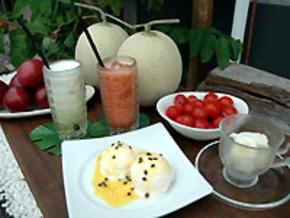 完熟フルーツの生ジュースやデザート