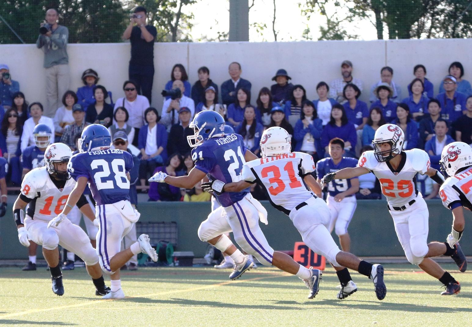 関西学院RB前島のTDラン=撮影:山口雅弘