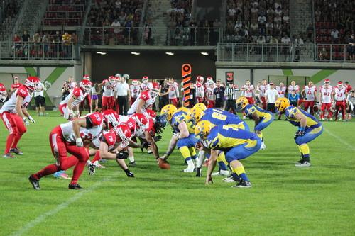 大型選手がそろった、スウェーデン代表―ポーランド代表=写真提供・山本慎治さん