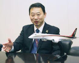 インタビューに答える三菱航空機の立岡寛之執行役員