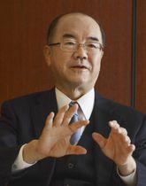 インタビューに応じる大阪ガスの本荘武宏社長