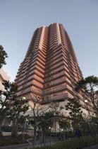 岩井二郎さんが殺害された高層マンション=18日午後、千葉県佐倉市