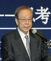 「東京―北京フォーラム」で基調講演する福田元首相=14日、東京都港区