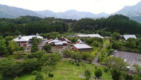 林業大学校が新設される県林業技術センター。受講生の募集を開始するなど開校に向けて準備を進めている=美郷町西郷(県提供)