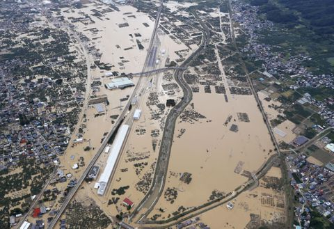 死者56人、堤防決壊52カ所