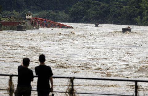 九州、中部地方で豪雨 地元新聞社の最新ニュース