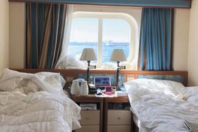 この夫婦の客室は窓が開かないため、換気が悪かったという=提供写真