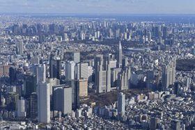 東京都庁(中央)周辺=2020年1月