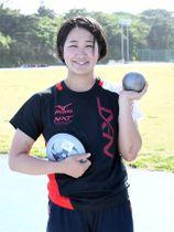 日本選手権で女子の円盤投げと砲丸投げに出場する九共大・郡菜々佳