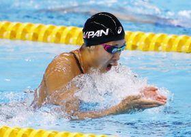 ジャカルタ・アジア大会の競泳女子100メートル平泳ぎで優勝した鈴木聡美=19日、ジャカルタ(共同)