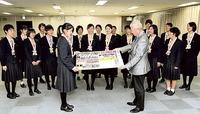高校サッカー女子 藤枝順心、日本一を報告 静岡新聞社訪問