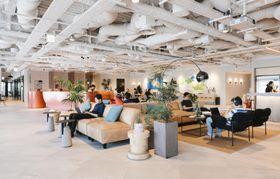 ウィーワークが4月に開業した東京・銀座の共有オフィス