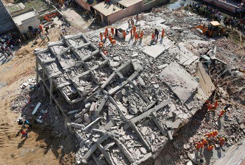 インドでビル倒壊5人死亡