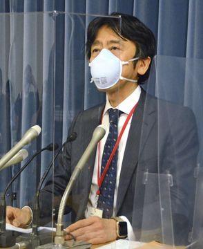 記者会見するNPO法人「シンクキッズ」代表理事の後藤啓二弁護士=3日、文科省