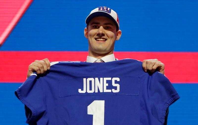 ジャイアンツに1位指名されたデューク大のQBダニエル・ジョーンズ(AP=共同)