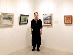 油絵を描き始めて20年になるという小島茂さんが運営しているギャラリー「一歩」=春日部市一ノ割