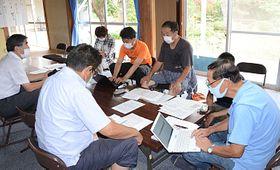 台風19号の被災時の証言を「復興タイムズ」10月号に掲載することを決めた編集会議