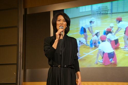 日本フラッグフットボール協会の理事を務める有森裕子さん=17日、都内ホテル