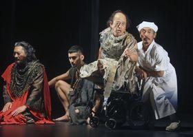 シェークスピア劇「リア王」の一場面=富山県南砺市利賀村