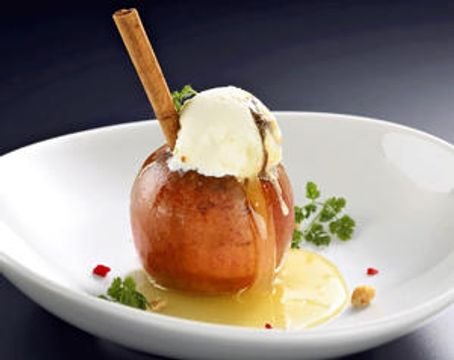 1個まるごと「焼きリンゴ」 会津産サンふじ、裏磐梯カフェ販売