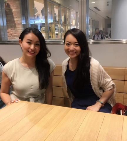 筆者(左)と本田景子さん=写真提供・小池絵未さん