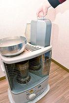 暖房機器の事故を防ぐため、給油の際には消火し、ふたをしっかり閉めるなど基本事項を守ることが重要だ